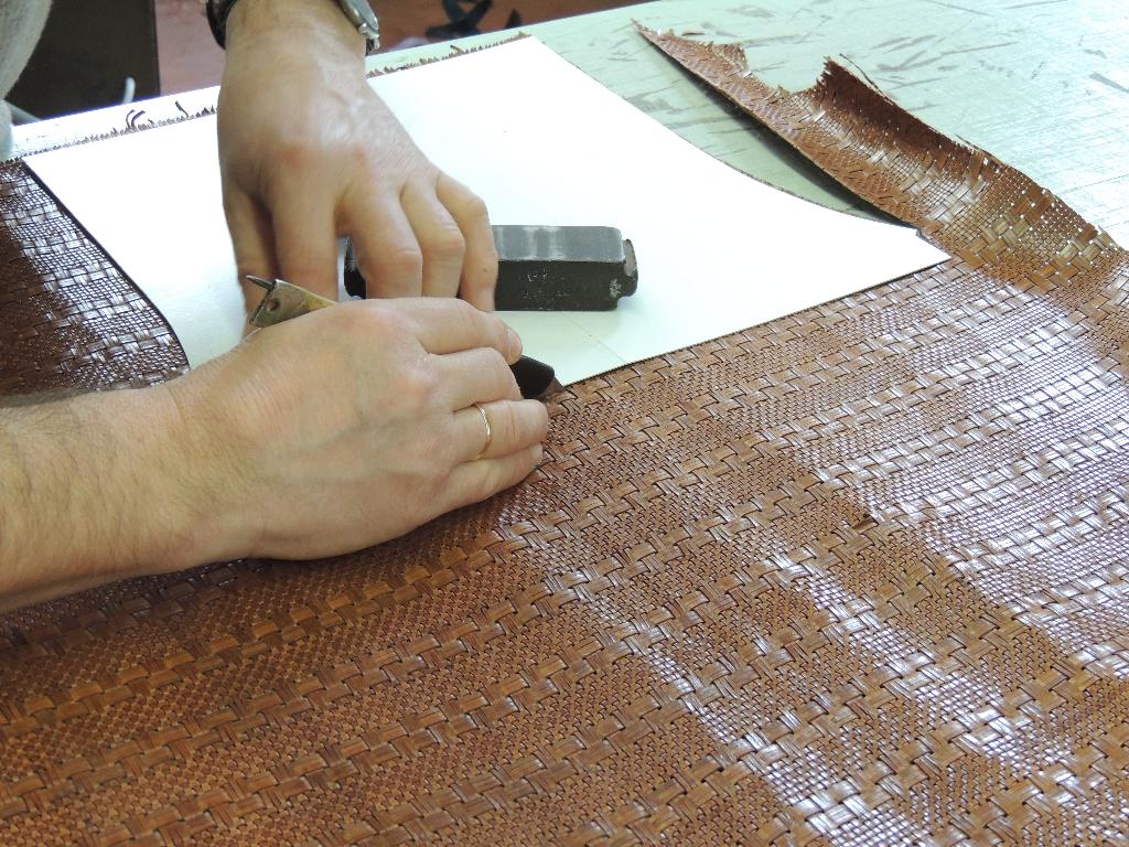 laboratorio di produzione borse in pelle artigianali