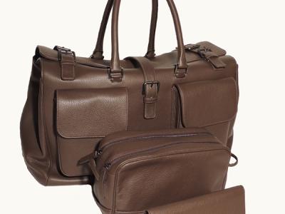 set accessori da viaggio in pelle: borsette da viaggio, porta documenti e beauty case