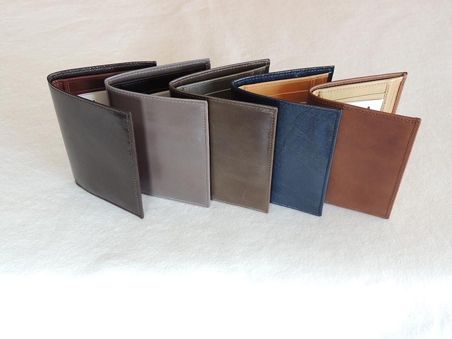 portafogli artigianali in pelle di A&A pelletteria - vari colori