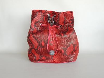 borsa secchiello in pelle di pitone rossa