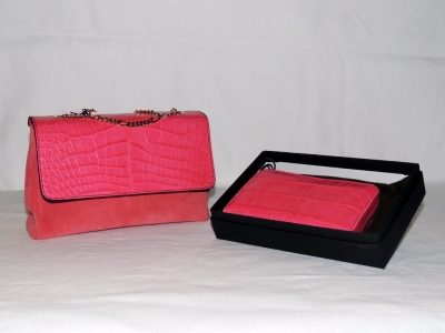 set accessori in pelle di coccodrillo: borsa in pelle di coccodrillo e portafoglio donna color rosa