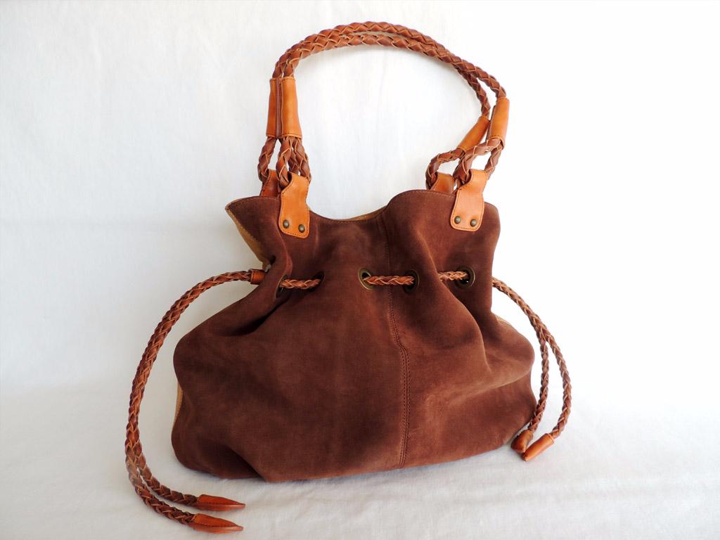 borse in pelle donna: borsa-secchiello in pelle scamosciata