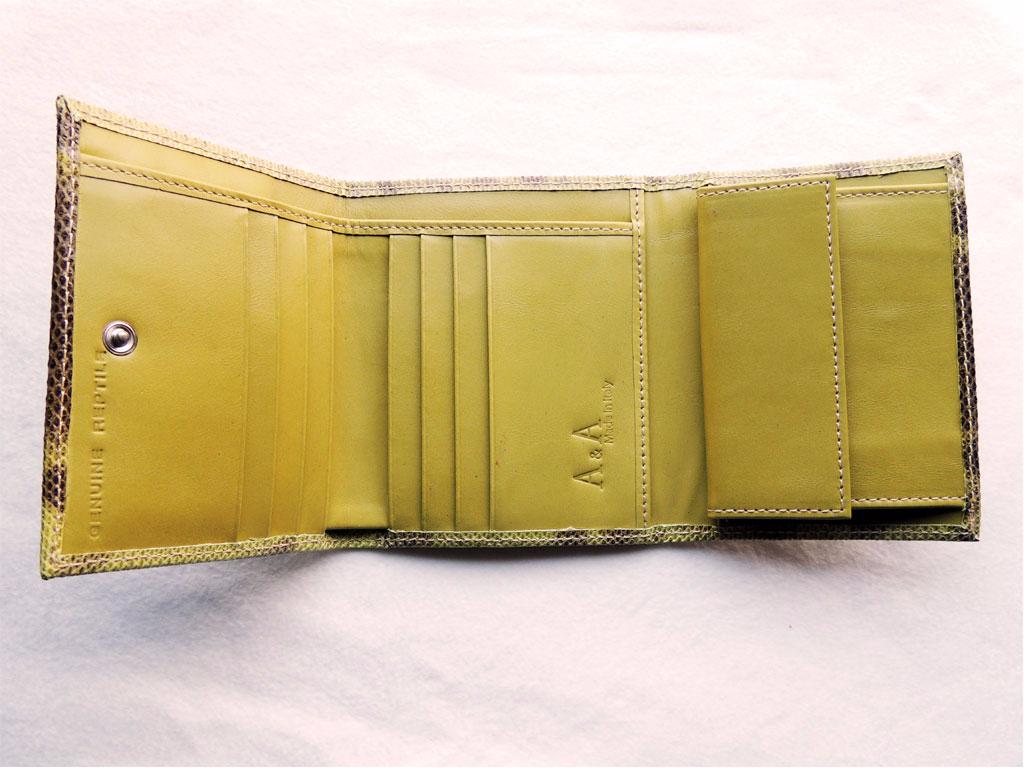 portafogli artigianali da donna in pelle: portafoglio in pelle di lucertola interno